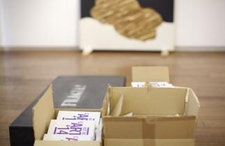Montaje de la exposición colectiva XXV ANIVERSARIO.