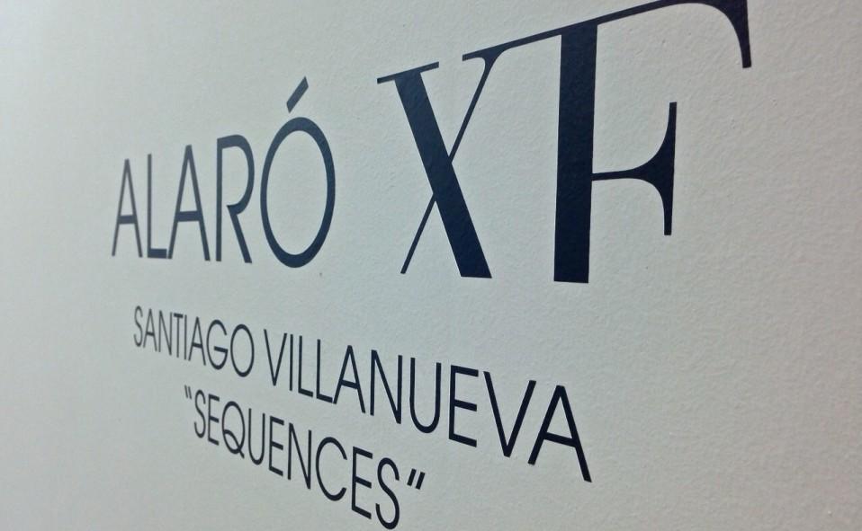 """Montaje de la exposición """"Sequences"""" de SANTIAGO VILLANUEVA."""