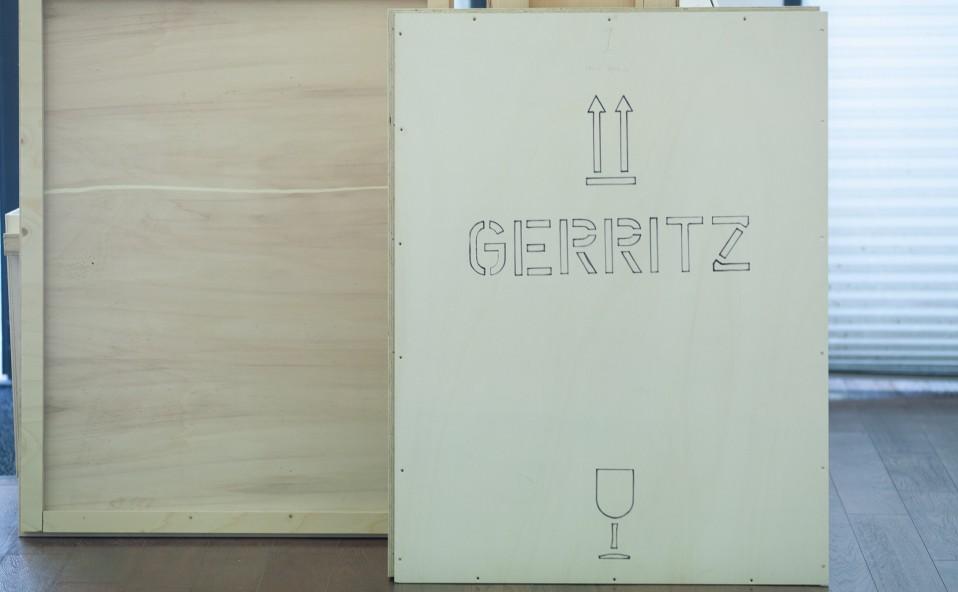 """Montaje de la exposición """"Titanium light"""" de FRANK GERRITZ. Inauguración sábado 26 de octubre 2019 a las 12.00h"""
